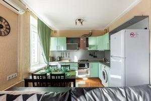 Кухня или мини-кухня в Moscow LifeStyle aprt - Sadovaya-Sukharevskaya