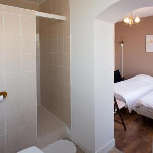 A bathroom at Entre Nous