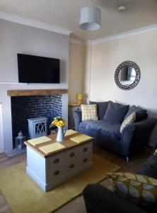 A seating area at Eden Rose Cottage