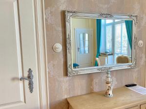 A bathroom at Apartamenty Kocham Morze