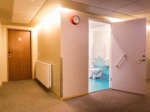 A bathroom at Loft - HI Hostel