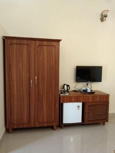 A television and/or entertainment center at Valeria's Holiday Home