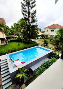 A view of the pool at Vila Batu Bale-Bale or nearby