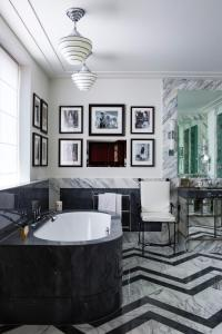 A bathroom at The Beaumont Hotel