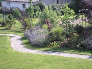 A garden outside Herberts Stubn
