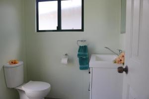 A bathroom at Ranginuis Retreat