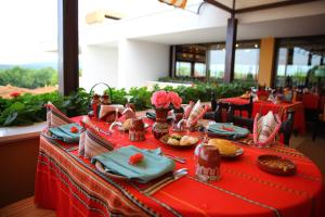 Een restaurant of ander eetgelegenheid bij Duni Holiday Village - All Inclusive