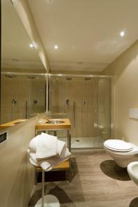 Un baño de Hotel Norden Palace