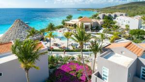 Een luchtfoto van Coral Estate Luxury Resort