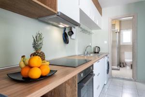 A kitchen or kitchenette at antéste Ierapetra sea & city