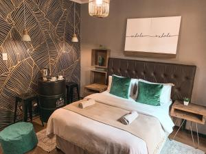 A bed or beds in a room at Lush