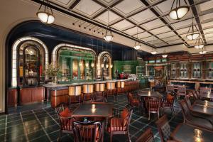 The lounge or bar area at Conrad Macao