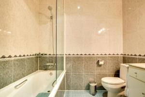 Un baño de Joyful 2 Bed in the fantastic Sant Antoni area