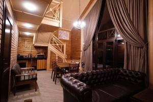 Гостиная зона в Корона