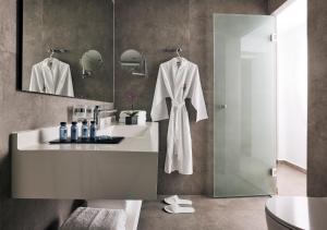 A bathroom at Tylissos Beach Hotel