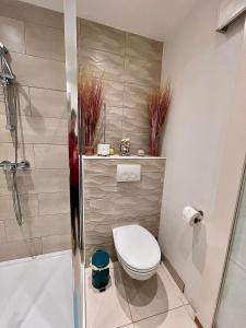 A bathroom at Nocturno