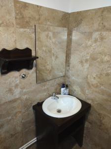 A bathroom at Casuta din Valea Regilor