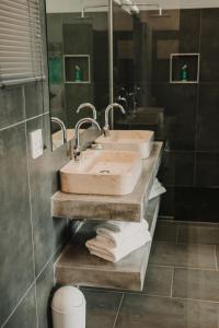 A bathroom at Giardino Boutique Hotel