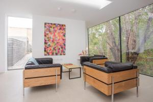 A seating area at Chic Modern 2 Bedroom Flat in Stoke Newington