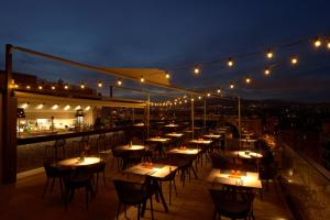 A restaurant or other place to eat at InterContinental Barcelona, an IHG Hotel