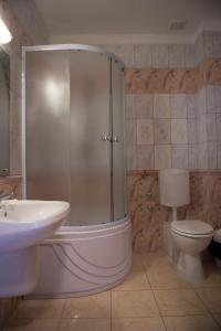 A bathroom at Arta Hotel