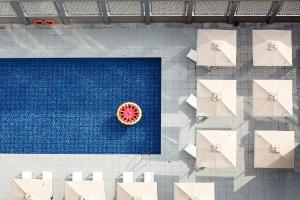The swimming pool at or near Rove Dubai Marina