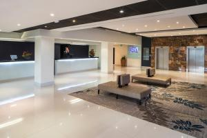 The lobby or reception area at Crowne Plaza Stratford-upon-Avon, an IHG Hotel
