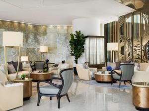 The lobby or reception area at Kerry Hotel, Hong Kong
