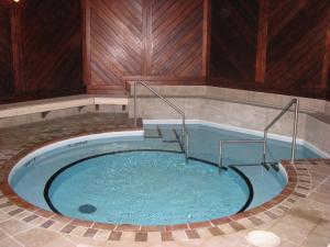 The swimming pool at or near Crowne Plaza Gatineau-Ottawa, an IHG Hotel