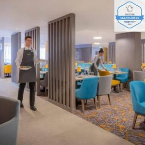 Guests staying at Maldron Hotel Parnell Square