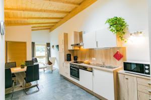A kitchen or kitchenette at Naglerhof