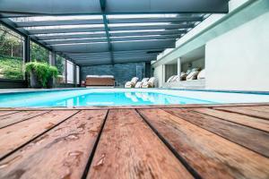 The swimming pool at or close to B&B La Villa d'Olne