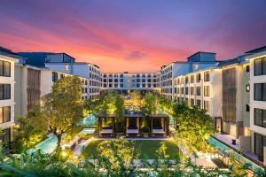 A view of the pool at Four Points by Sheraton Phuket Patong Beach Resort - SHA Plus or nearby