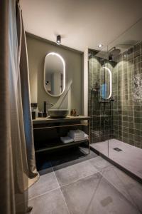 Ein Badezimmer in der Unterkunft Altstadthotel Weißes Kreuz - In der Fußgängerzone