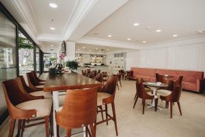Restoran või mõni muu söögikoht majutusasutuses Hotel Montenegro