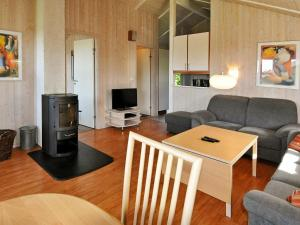 A seating area at Two-Bedroom Holiday home in Gelting 1