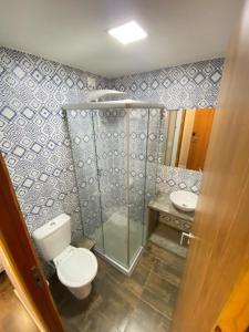 A bathroom at Swell Praia Hotel