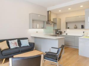 A kitchen or kitchenette at Pass the Keys Newly Refurbished flat with Decked Sun Terrace in Lewisham