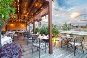 Un restaurante o sitio para comer en Sonder l DO Plaça Reial