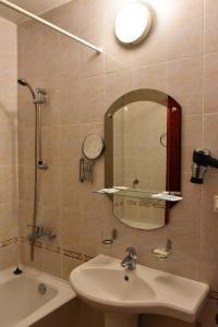 Ванная комната в Mirit Hotel ФГУП РСВО