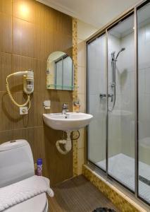 """Ванная комната в Отель """"На Алексеевской"""""""