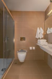 A bathroom at Hotel Esperia