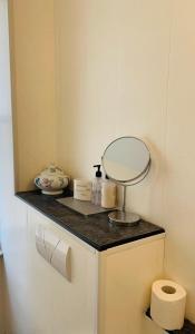 A bathroom at Bella Vista Hotel & Italian Restaurant