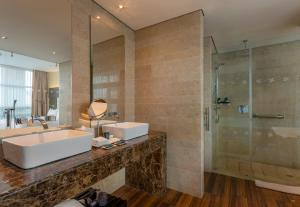A bathroom at Four Points By Sheraton Bogota