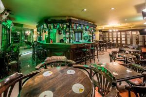 Salone o bar di Maritim Antonine Hotel & Spa