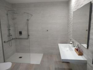 Un baño de Hotel Rural Envero