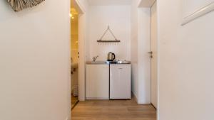 A kitchen or kitchenette at Ginius Homes: Indian elephant room