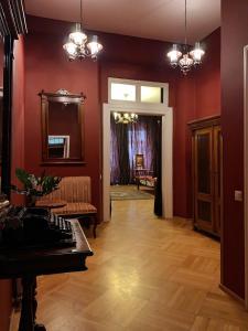 Лобби или стойка регистрации в Small Luxury Palace Residence