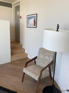 אזור ישיבה ב-אלמא - מלון ומרכז אומנויות
