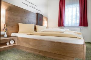 Postel nebo postele na pokoji v ubytování Appartements Zur Barbara